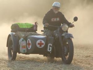 Petr Hošťálek (na snímku) a Miloň Dvořák dojeli na svých motorkách do Stalingradu