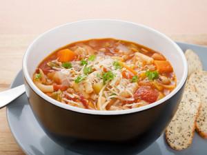 Polévka minestrone z jednozrnky