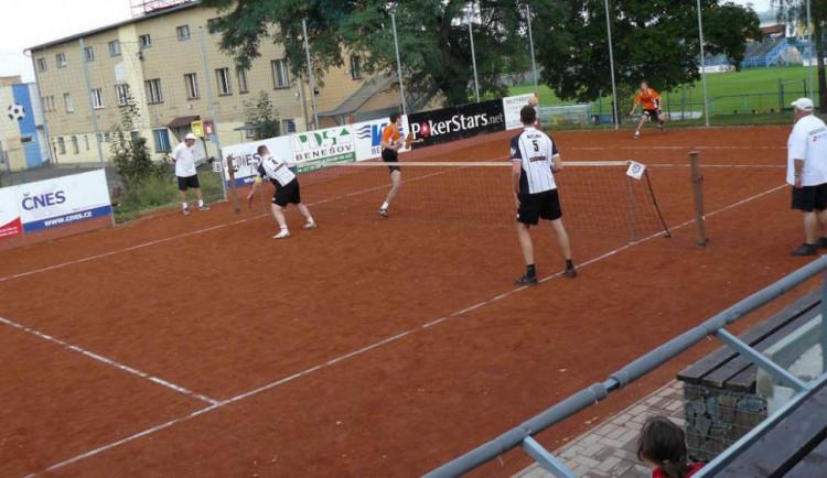 Nohejbalisté venku podruhé v řadě nebodovali, prohráli v Čelákovicích