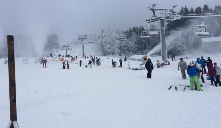 Na lipenských sjezdovkách je už přes půl metru sněhu