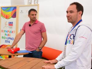 Hejtman Jiří Zimola s marketingovým ředitelem ČOV Markem Tesařem informují o výsledcích inspekční cesty