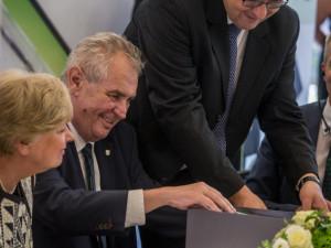 Miloš Zeman v kaplické firmě Engel.