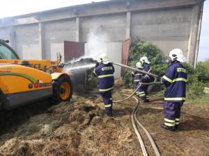 Požár skladu se senem a hnojivy v Jistebnici na Táborsku.