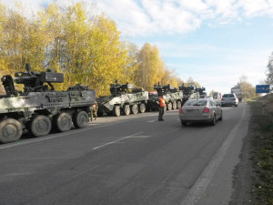 Pětice pandurů a osobní auto havarovaly 4. listopadu 2016 v Táboře Čekanicích.