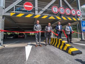 Budějcký závod společnosti Robert Bosch otevřel parkovací dům.