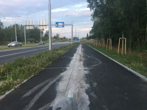 České Budějovice na to mají. Na zbrusu novém chodníku se po dvou měsících znovu pracuje