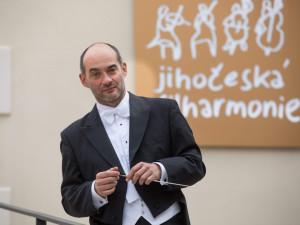 V romantickém prostředí zámku Kratochvíle se v sobotu 1. září od 20:30 hodin o nezapomenutelný zážitek postará Jihočeská filharmonie se šéfdirigentem Janem Talichem.