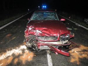 U Štěpánovic se srazila dvě osobní auta. Silnice je uzavřená