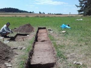Archeologové zatím nenašli v Letech hromadné hroby Romů.