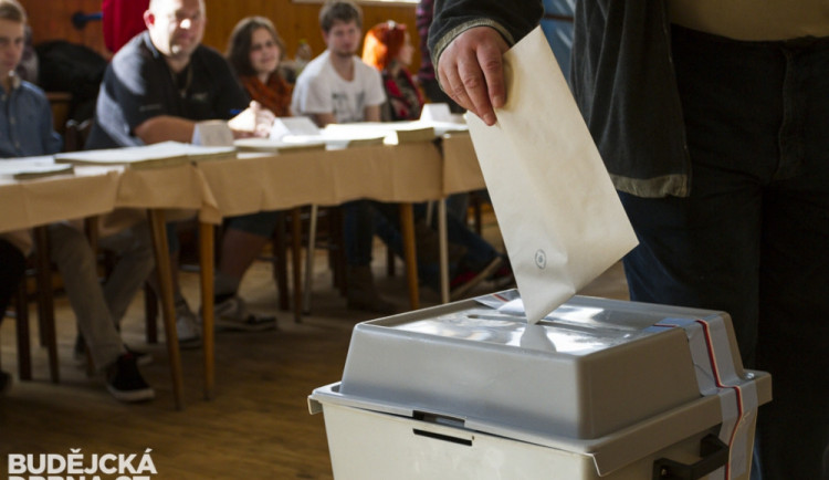 Volby ve Strakonicích se zopakují v březnu, vedení města zvažuje žalobu na zneplatnění jejich výsledku