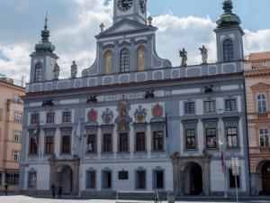 O místo jihočeského předsedy ČSSD se budou ucházet tři kandidáti.