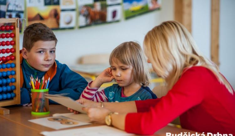 V září půjde do prvních tříd přes tisíc nových školáků. V dubnu je čeká zápis