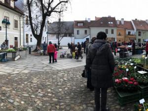 Trhy na Piaristickém náměstí