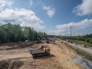 Italská firma, která staví dálnici D3 má další problém. Po Slovensku vypovědělo smlouvu i Polsko