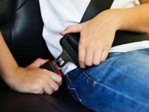 Pozor, děti v autech jedou na prázdniny