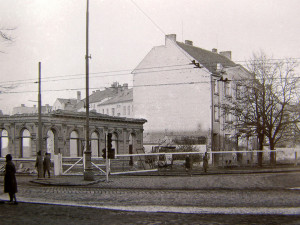 V únoru 1962 se začala bourat Budějovická pivnice, toho času Metropol, následoval vpravo Bio Grand.