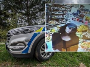 Budějčtí policisté pátrají po zhruba pětadvacetileté ženě, která by jim mohla pomoct při vyšetřování případu, ve kterém byla zneužita platební karta a odcizena finanční hotovost. Žena mohla vidět pachatele, který se tohoto činu dopustil.