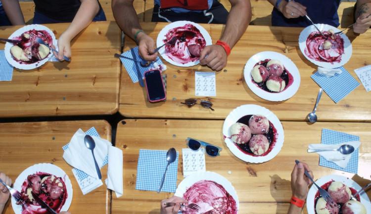 Největší jedlík na jihočeském Borůvkobraní snědl sedmadvacet knedlíků