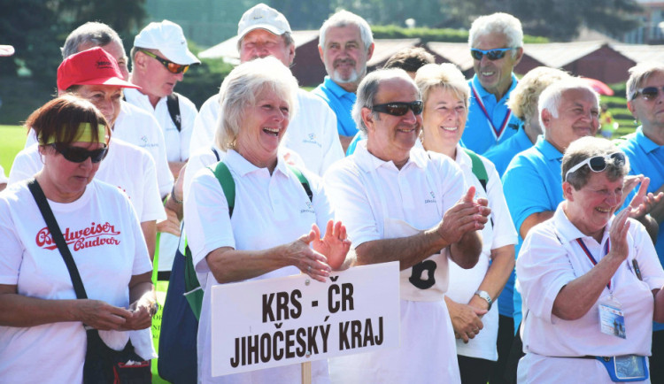 Hejtmanka Stráská zahájila Mezinárodní sportovní hry seniorů. Svým vrstevníkům vzkázala, že nejsou na odpis