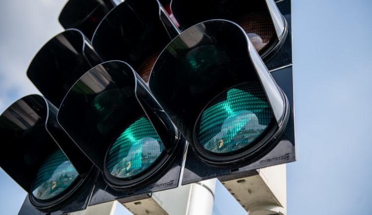 Na Strakonické nepůjdou několik hodin semafory. V Havlíčkově kolonii se bude pokládat horkovod