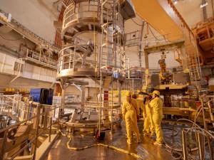 Reaktorový sál Temelínu vypadá jako nedobytná pevnost