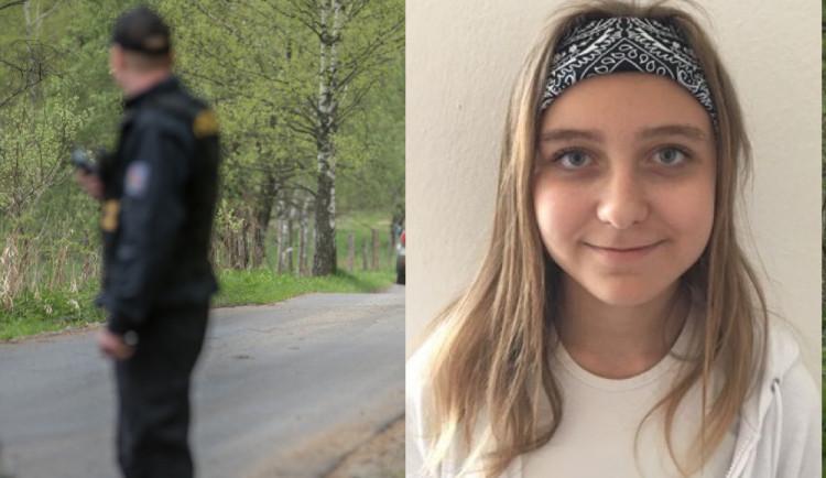 Dívka se nevrátila z vycházky , pátrá po ní policie