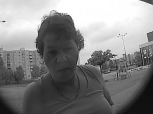 Policisté pátrají po totožnosti ženy