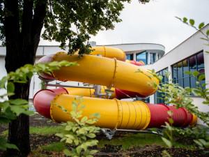 Návštěvníci bazénu se konečně projedou v tobogánu, v provozu bude za tři týdny