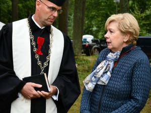 Biskup Tonzar poděkoval za péči o areál Památníku Jana Žižky. Hejtmanka Stráská odmítla přepisování našich dějin