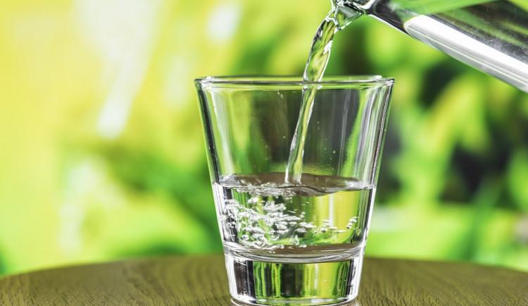 Za pitnou vodu si od příštího roku připlatíme