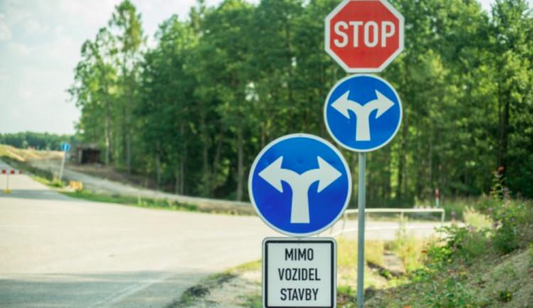 DOPRAVNÍ INFO: Omezení se mimo jiné týkají Českých Budějovic, Bohunic, Dačic nebo Jankova