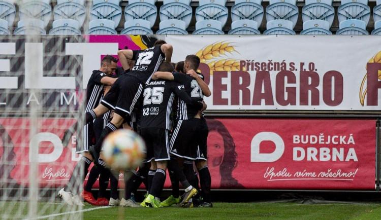 FOTO: Tři body zůstávají na Střeláku. Dynamo si poradilo s pražskou Bohemkou