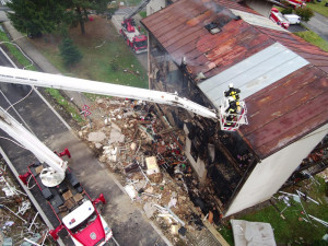 Po výbuchu bylo zraněno devět lidí a jedna osoba zemřela.