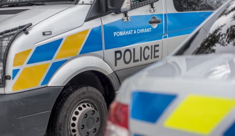 Za nalití alkoholu nezletilé dívce je muž z Jindřichohradecka trestně stíhaný