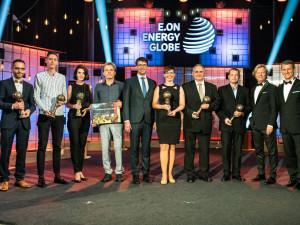 Společná fotografie všech vítězů