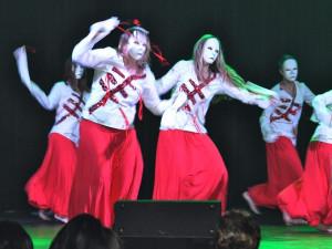 Dancing Queens -Pandemonium.