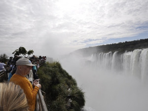 Garganta del Diablo a lávky těsně u vodopádů