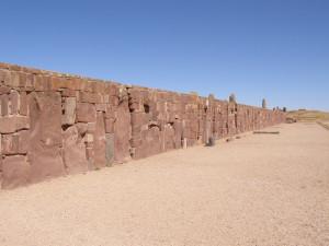 Tiwanaku - stěna Kalasasayi