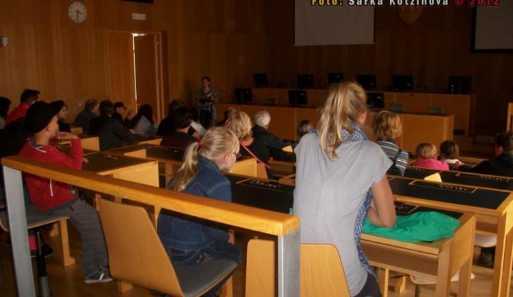 Návštěvníci si vyzkoušeli, jaké je to sedět na místech našich zastupitelů