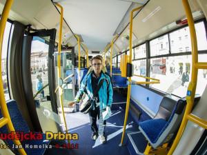 Návštěvníci si mohli prohlédnout autobus MHD