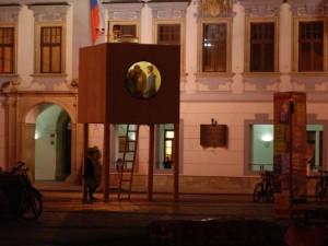 Minimální dům na náměstí Přemysla Otakara II. Foto Mjölk architekti