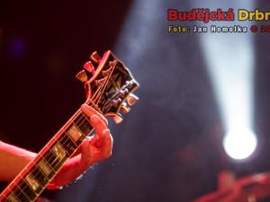 Metalové kapely zahrály v KD Slavie