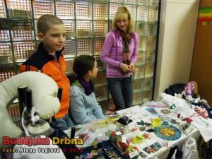 Děti si samy prodávaly své výrobky