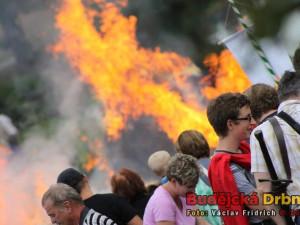 Bitva o Slamburk. Lukostřelci zapálili ohnivými šípy slaměné Sokolí hnízdo