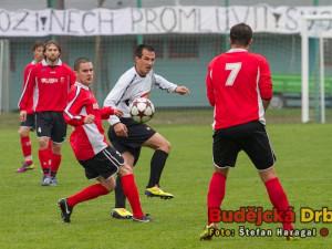 Fanoušci Martina Vozábala vyvěsili na Hluboké plakát, exligový hráč je poslechl jen napůl, gól dal pravou nohou