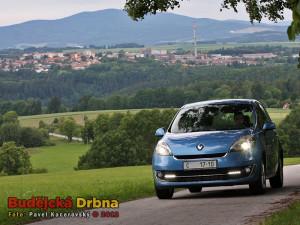 Pepa Koupal a Budějcká Drbna testují ve Svatém Janu Renault Grand Scénic Collection 2012