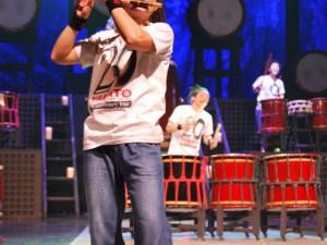 Bubenickou show doplňovaly pokřiky a hra na další hudební nástroje