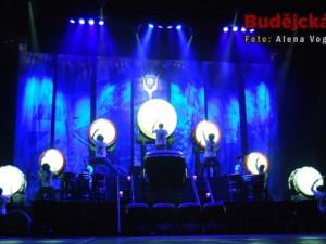 Skvělé osvětlení umocňovalo zážitek z představení