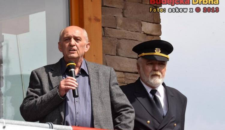 Jan Jílek, náměstek státního podniku Povodí Vltavy, a Jaromír Kalousek, ředitel Státní plavební správy