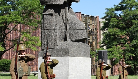 Odhalení Zborovského pomníku